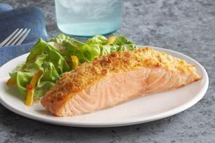 Le saumon rose dans du papier. Les meilleures recettes