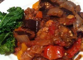 Mięso z bakłażanem w multivarka. przepisy kulinarne