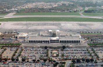 """Aéroport """"Malta International affiliés."""" Histoire, l'emplacement, les infrastructures"""