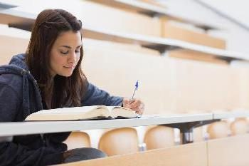 Como fazer uma nota de rodapé no trabalho do curso