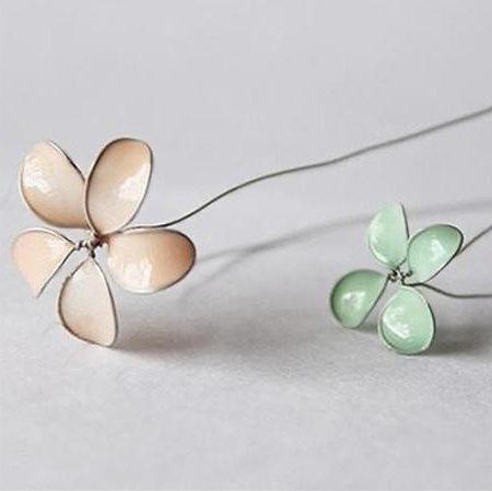 Blumen Von Nagel Und Draht Eine Meisterklasse Foto