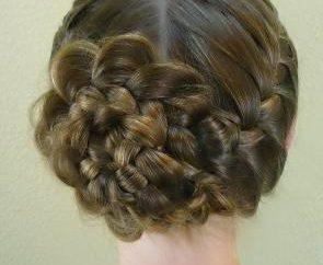 Rose fora do cabelo: bela e original