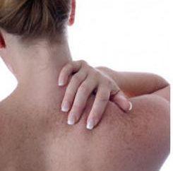 Die besten orthopädischen Kissen mit zervikaler Osteochondrose: Bewertungen von Experten und Einkäufer