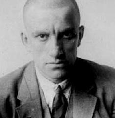 A morte de Maiakovski: um trágico final poeta