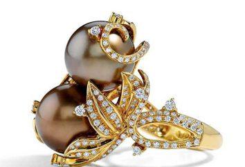 Ringe mit Perlen. Treasure Seas in Metall eingeschlossen