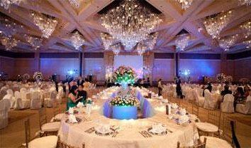 Jak stworzyć oryginalny wystrój pokoi na wesele?