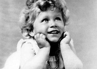 La reina Isabel de Inglaterra 2: biografía, fotos
