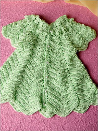 Flirty Kleider für Babyhäkelarbeit: das Schema. Häkeln für Mädchen
