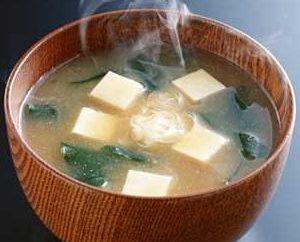 Come cucinare la zuppa di miso?