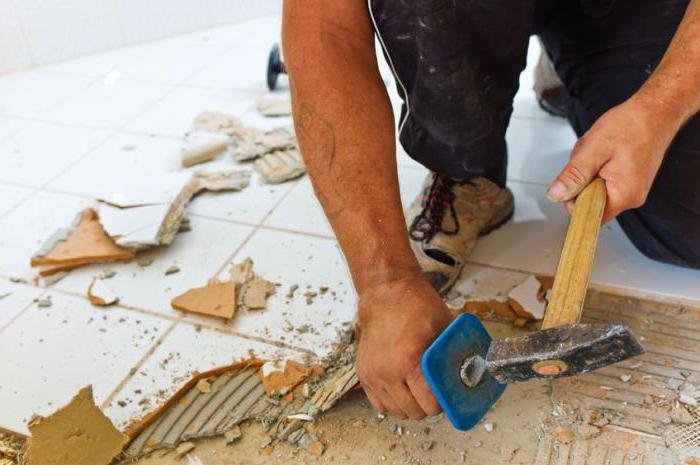 Come rimuovere le piastrelle da pavimento: guida passo passo