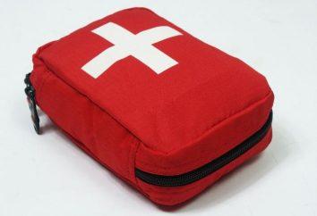 Trousse de premiers soins pour le voyage à l'étranger: nous nous réunissons