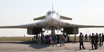 """Tu-160 """"Cisne Branco"""" – míssil-bombardeiro estratégico"""