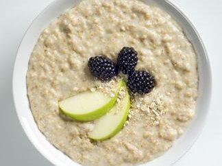 farine d'avoine dans multivarka – petit déjeuner classique avec une touche moderne
