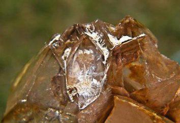 Il punto di fusione del diamante, le proprietà fisiche e la struttura del minerale