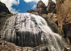 Chegem Wasserfälle: schönes Märchen Natur