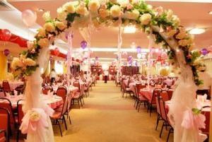 Die festliche Dekoration der Halle: Gönnen Sie sich ein Märchen