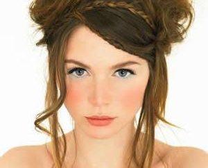 Belle acconciature da sera per capelli medio con la frangetta