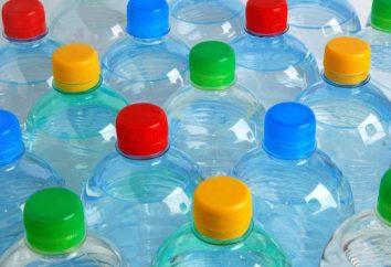 Recycling von Kunststoffflaschen als ein Geschäft. Geräte für die Verarbeitung von PET-Flaschen