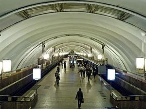 Il modo principale di funzionamento della metropolitana di San Pietroburgo