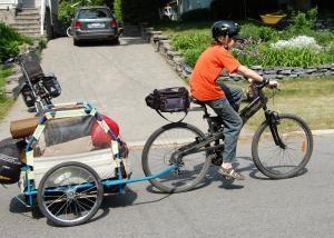 Przyczepa na rowery – zabawa i wygodne! Jak zrobić swój własny wózek przyczepa ręce dla dzieci do roweru?