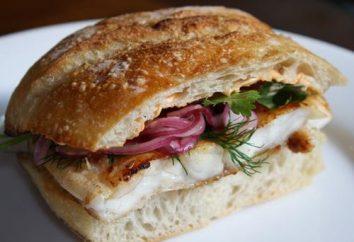 Sanduíches com peixe vermelho. Saboroso e fácil