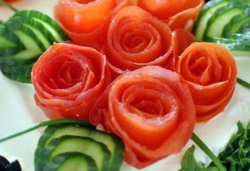 Uroczysty piękne sałatki. Ozdoby do sałatek, warzyw i jajek