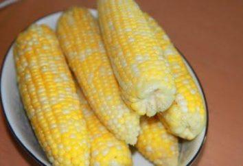 Przydatne właściwości gotowanej kukurydzy: porozmawiajmy o cennych zbóż