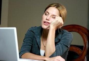 Nie wiesz, co robić w Internecie, gdy znudzony? Przeczytaj artykuł o tym!