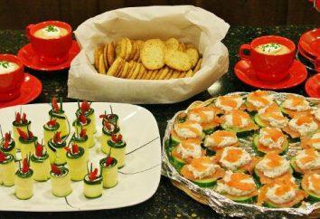 De courgettes sur amuse-gueule une table de fête. recettes