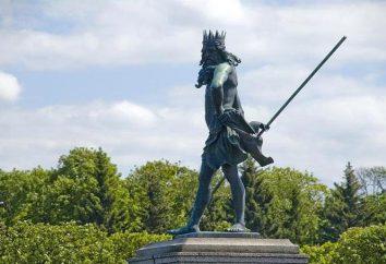 """Przywrócone fontanna """"Neptun"""" w Peterhof zadowolenie widzów"""