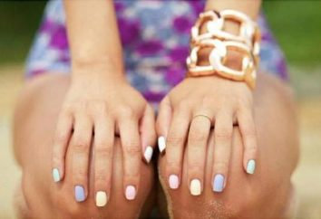 pastel manucure sur les ongles courts