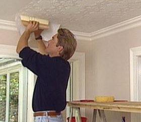 Tutto su come appendere carta da parati sul soffitto