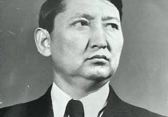 Iskhak Razzakov: foto e biografia