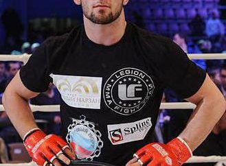 MMA myśliwiec Musa Khamanaev: biografia
