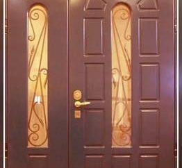 La entrada y las puertas interiores como muebles para el hogar integrales