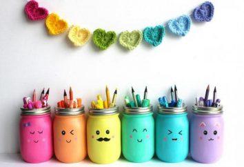 Supports pour stylos avec leurs mains: organisateur pratique à partir de matériaux de rebut