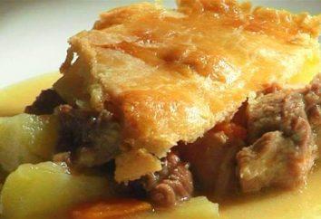 Pie al forno con le patate. Torta con carne e patate al forno