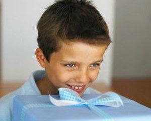 Che per dare un ragazzo di 7 anni? Come scegliere un regalo ragazzo di 7 anni?