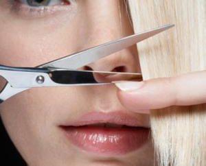 Haircut heiße Schere: die Vor- und Nachteile dieses Verfahrens
