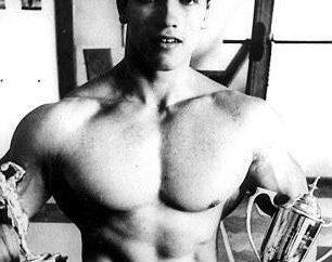 Giovane Arnold Schwarzenegger 16 anni: altezza, peso e altri parametri fisici