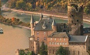 Rzeki Europy. Rzeka Ren jest największą drogą wodną w Europie Zachodniej.