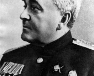 El mayor general Alexander Alexandrov. El establecimiento de una medalla militar del gran compositor