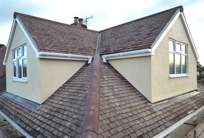 das dach des hauses mit einem dachboden arten von d chern mit dachboden in privaten haushalten. Black Bedroom Furniture Sets. Home Design Ideas