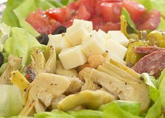 Włoska sałatka z bananów: ozdobnymi receptur, przekąsek i deserów