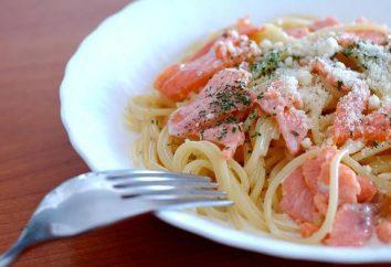 Come fare la pasta con salmone in salsa di panna?