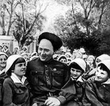Arkady Gaidar: biografia para crianças breve