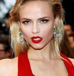 Maquillaje para el vestido rojo. Cómo evitar errores?