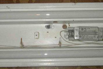 Choke pour lampes fluorescentes: types de dispositifs, dans le but du régime et commentaires