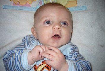 O segundo mês de vida do recém-nascido: um sonho, andando e desenvolvimento
