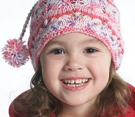 Armadio per un po 'di principessa – mani delle madri. Protezione lavorata a maglia per le ragazze (i raggi)